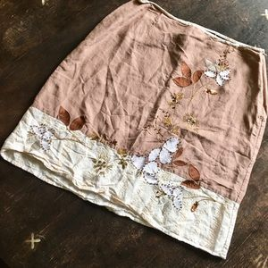 Beautifully detailed brown and cream skirt. Size 8
